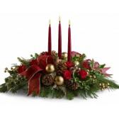 Classic Christmas table arrangement